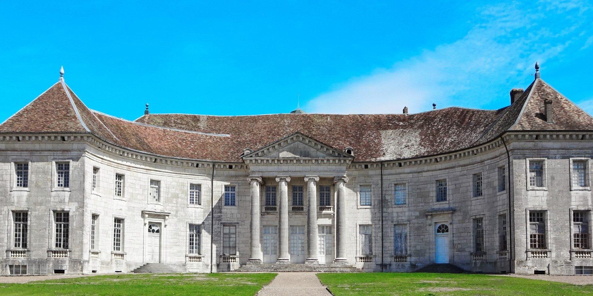 Château de Moncley et sa façade avant